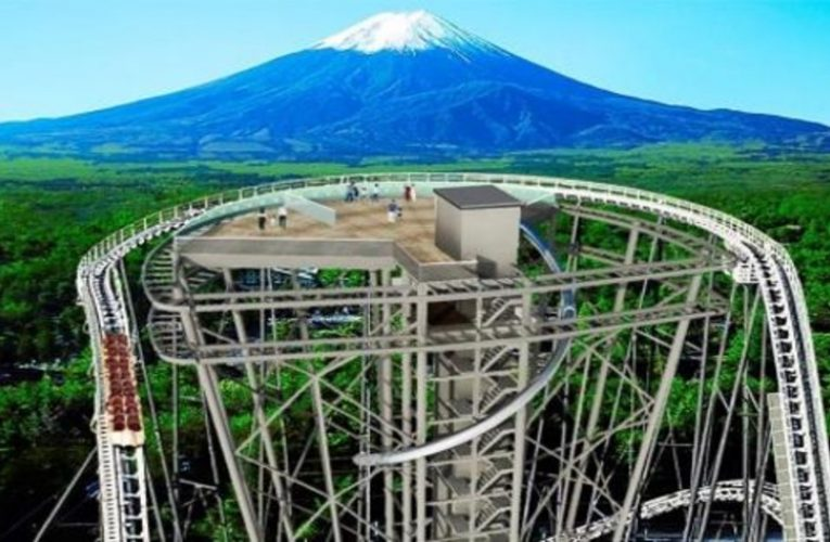 This is the incredible viewpoint of Mount Fuji on top of a roller coaster