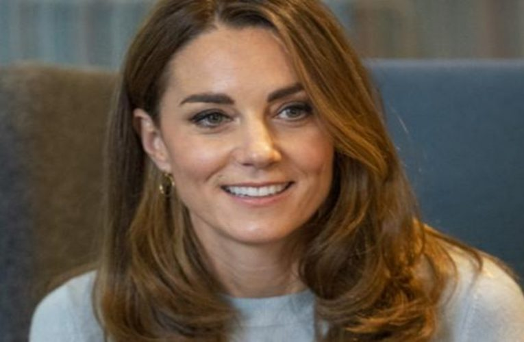 "The Duchess of Cambridge opts for a ""bronde"" mane"