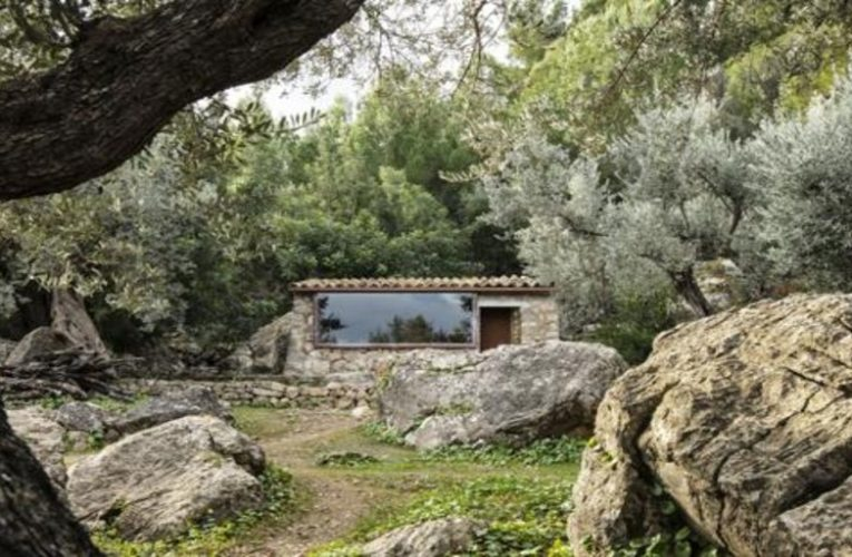 The two houses of the Tramuntana that are finalists of the Building of the Year 2021