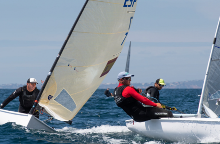 Joan Cardona, leader of the Finn European Championship after adding two first places