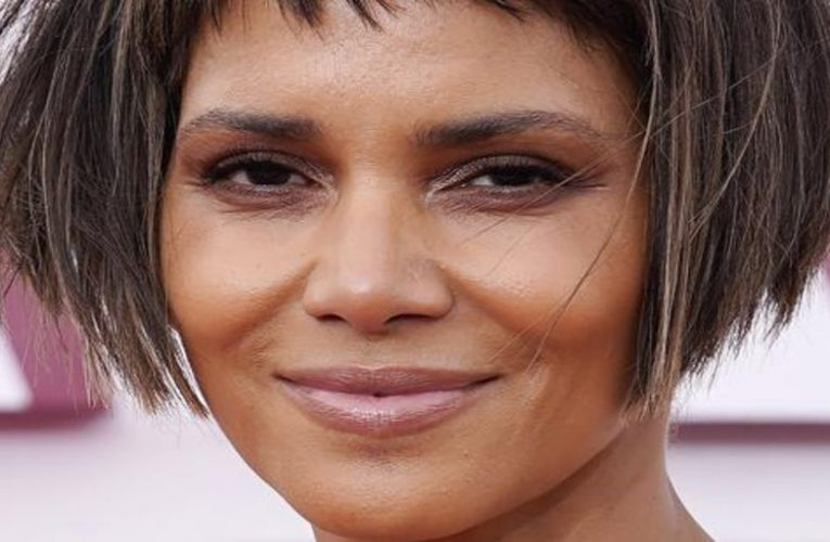 Halle Berry changes her look radically