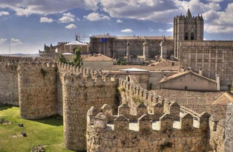 How to see the cathedral of Ávila again, after five months closed