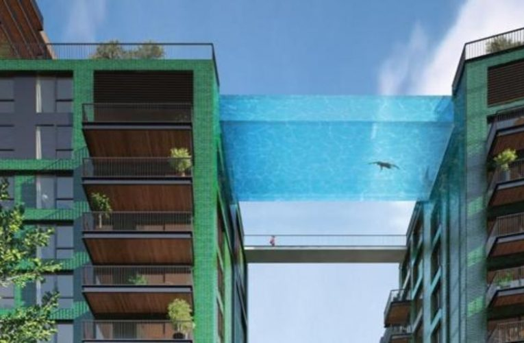 The world's first transparent swimming pool links two London buildings