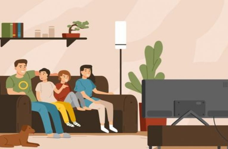 Sharing a movie or series with the family is still possible in an age of mobiles and tablets