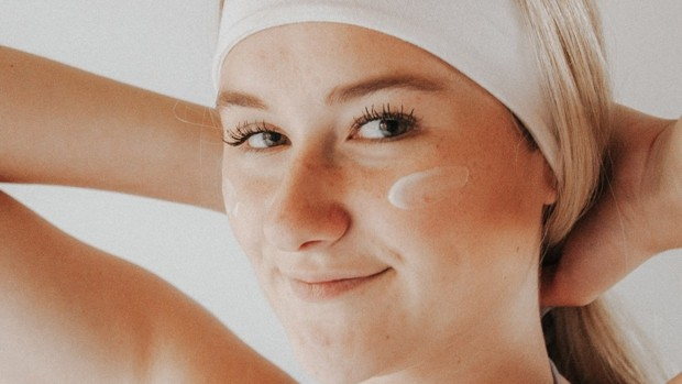 Facial care guide for sensitive and reactive skin