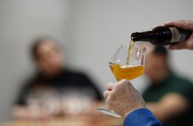 Little drinking seems beneficial in people with cardiovascular disease